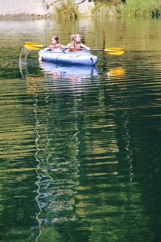 Canoe girls