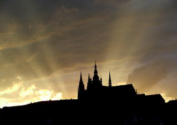 Sunset_prague_castle_2